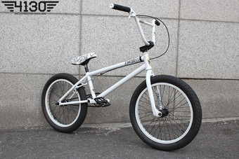 "[품절/단종] KINK SXTN 20.85""TT White Super Custom BMX"
